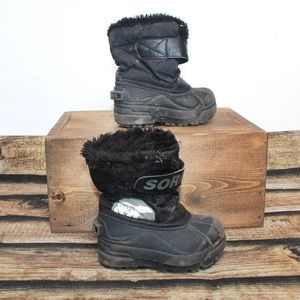 🎀3/$30 Boys Black Sorel Winter Boots Size 7